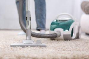 So bekommen Sie Ihren Teppich staubfrei